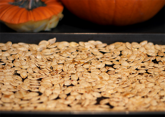 Bubby and Bean ::: Living Creatively: Spicy Roasted Pumpkin Seeds