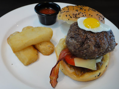 Beef Burger at Level 33 MBFC