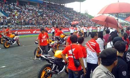balap Marquez-Pedrosa di Sentul