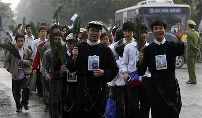 Católicos vietnamitas protestam contra abusos ditadura socialista