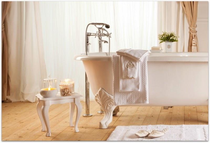 En casa de oly decorando el cuarto de ba o for Zara home accesorios bano
