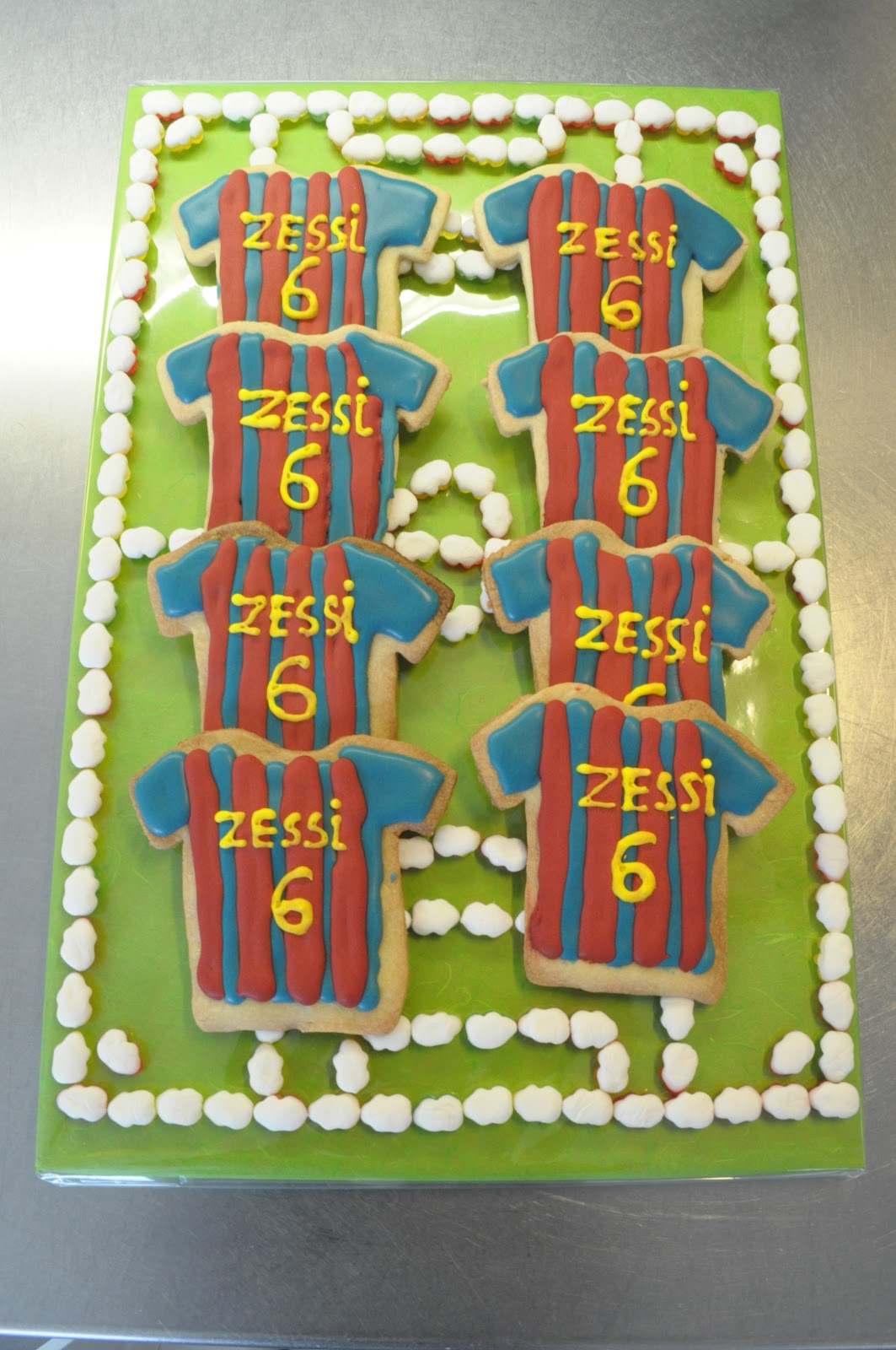 De Creazusjes Tijmen Viert Zijn 6de Verjaardag In De Klas En Neemt