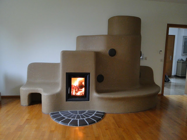 """Дровяная дизайнерская печь """"Адоль"""" для соломенного дома."""