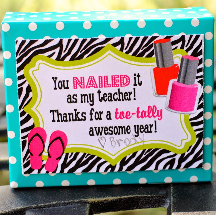 http://sweetmetelmoments.blogspot.com/2014/05/free-printable-teacher-appreciation-you.html