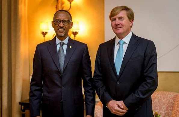 Dutch King Willem-Alexander, UN special advocate for Inclusive Finance for Development poses with Rwanda's president Paul Kagame at the King's residence De Eikenhorst