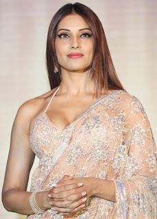 Bipasha Basu, Bipasha in Bikini, Madhavan, Jodi Breakers, Milind Soman, Jodi Breakers Movie, Jodi Breakers release, Jodi Breakers wallpaper, Mrinalini Sharma, Dipannita Sharma, Omi Vaidya, the music launch