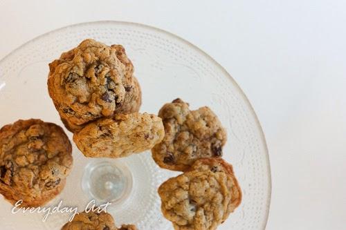 Everyday Art: Chewy Oatmeal Raisin Cookies