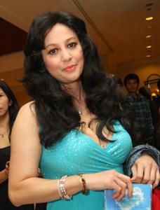 Profil Dan Foto Seksi Tante Meriam Bellina
