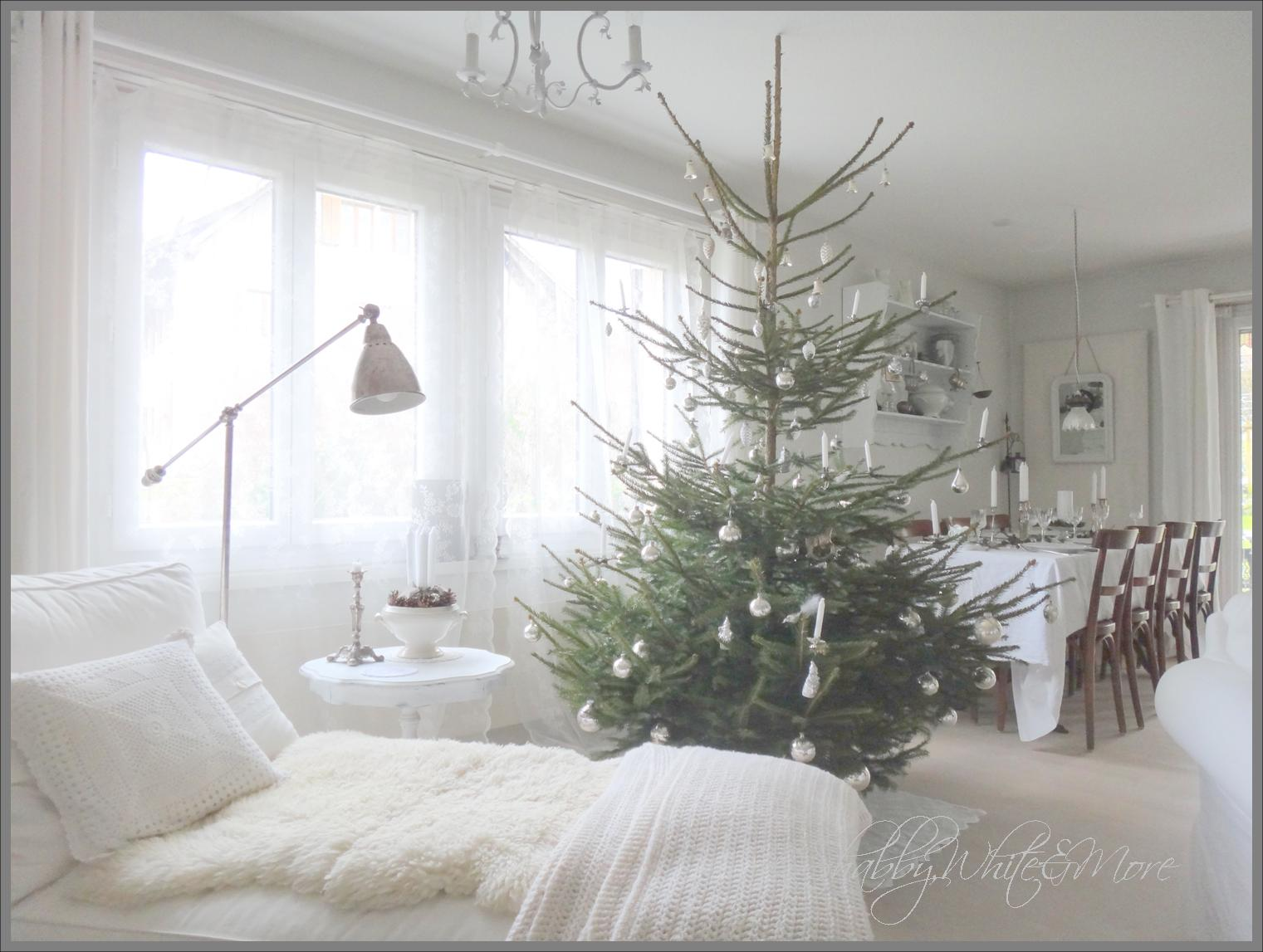 shabby white and more merry christmas to everyone. Black Bedroom Furniture Sets. Home Design Ideas