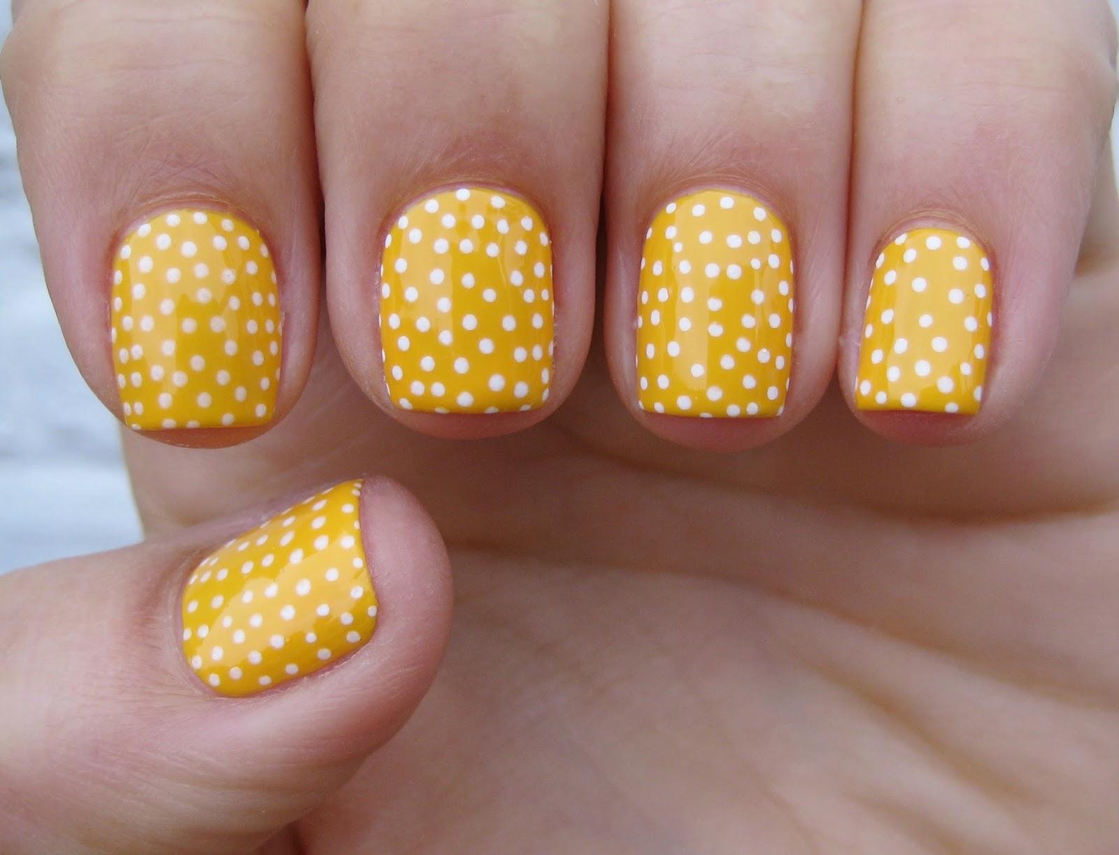 Dahlia Nails Bee A Honey