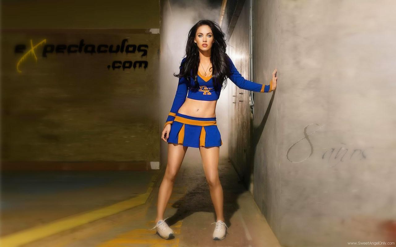 http://4.bp.blogspot.com/-wJrmGENS8ok/TdFMzn-K01I/AAAAAAAADEQ/FzR4ijYQlpY/s1600/megan_fox_hd_wallpaper.jpg