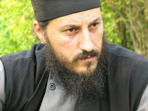 """Părintele Amfilohie Brânză: """"Dumnezeu nu rămâne dator nimănui"""""""