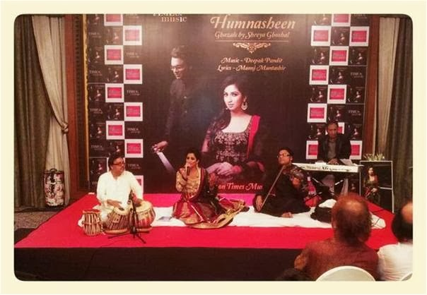 The owner of ultimate voice texture, Shreya Ghoshal singing the Ghazal of her first Ghazal Album Humnasheen at launch event!