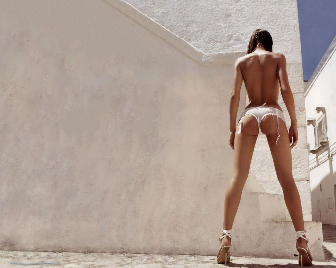 http://4.bp.blogspot.com/-wK-XQMlPk3I/UE0X4jQQtgI/AAAAAAAAWSY/nqE-mEDVIro/s1600/1296383240_perfect-sexy-ass.jpg