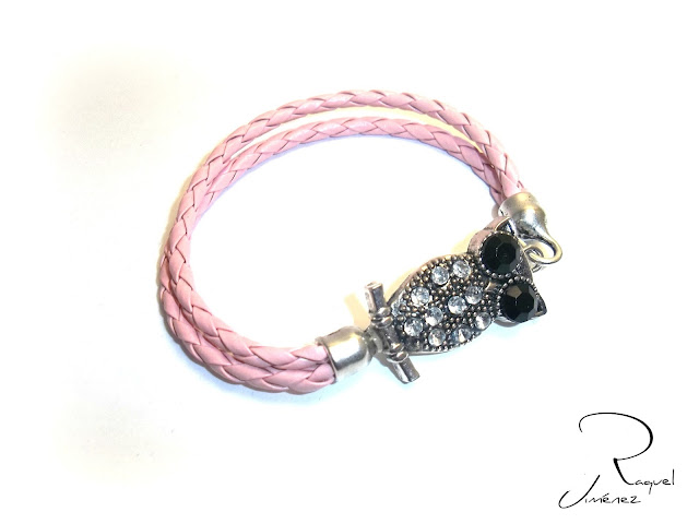 pulsera de cuero rosa con buho