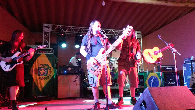 "Armahda no palco ""Dimebag"" no Metal Land"