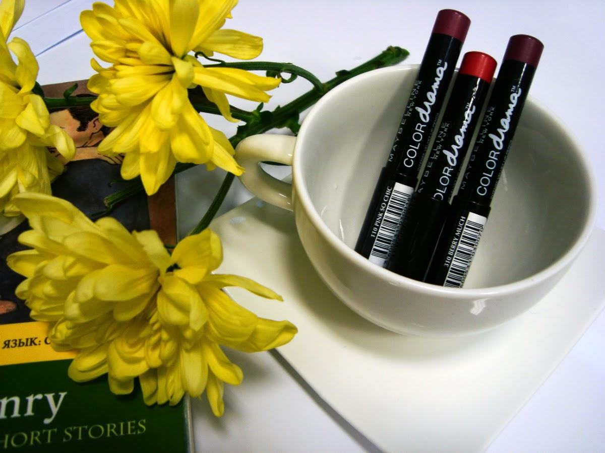 Помада для губ Maybelline Color drama