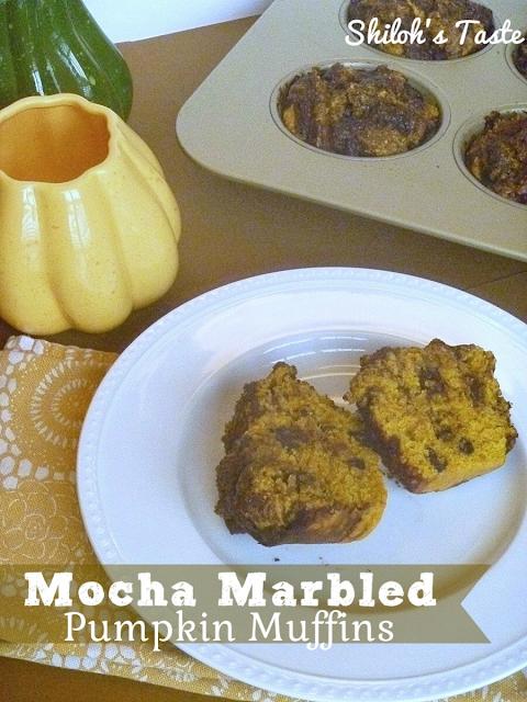Mocha Marbled Pumpkin Muffins | www.shilohstaste.com #pumpkin #muffins #mocha