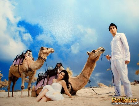 Titi Kamal Punya Gaya Sendiri Untuk Foto Pre Wedding