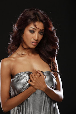 paoli dam & spicy hot images