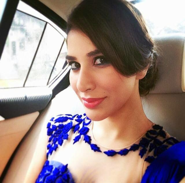 Sophie Choudry HD wallpapers Free Download
