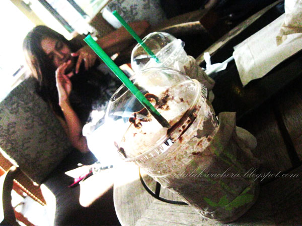 Where to eat in ortigas? Starbucks + Razon's = good way to ruin your diet!Coolers, Fashion, Food, Razon's, Starbucks - lumpia, pansit malabon, palabok , Where to eat in ortigas? Starbucks + Razon's = good way to ruin your diet!Coolers, Fashion, Food, Razon's, Starbucks - lumpia, pansit malabon, palabok