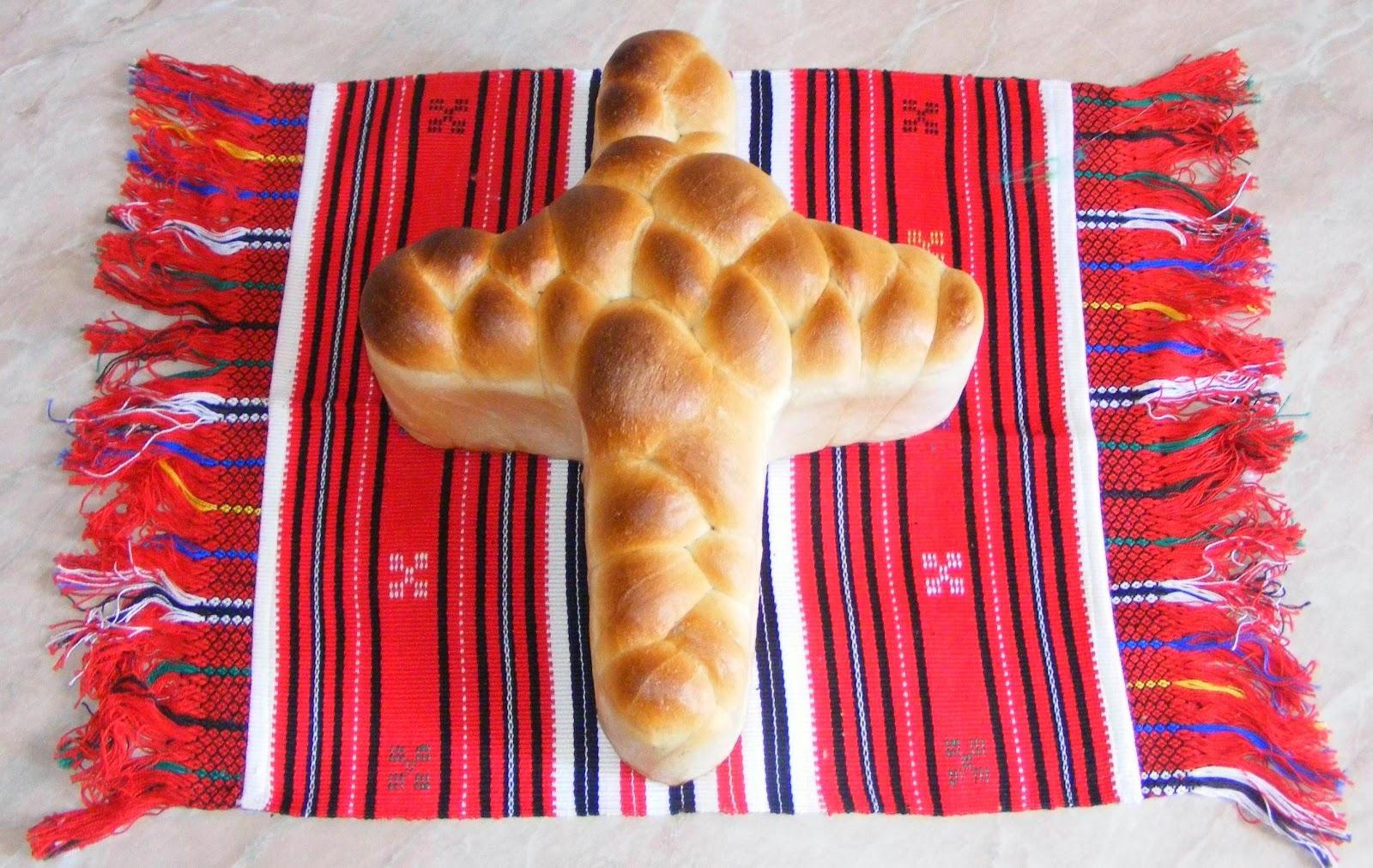 cruce din aluat de paine, retete si preparate culinare cruce din aluat de paine pentru parastas, reteta paine impletita de casa, paine si impletite de casa, retete de post,