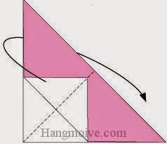 Bước 4: Gấp cạnh tờ giấy về phía mặt đằng sau.