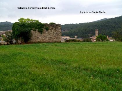 El Fortí dels Liberals i l'església de Santa Maria des del Pla de la Rampinya