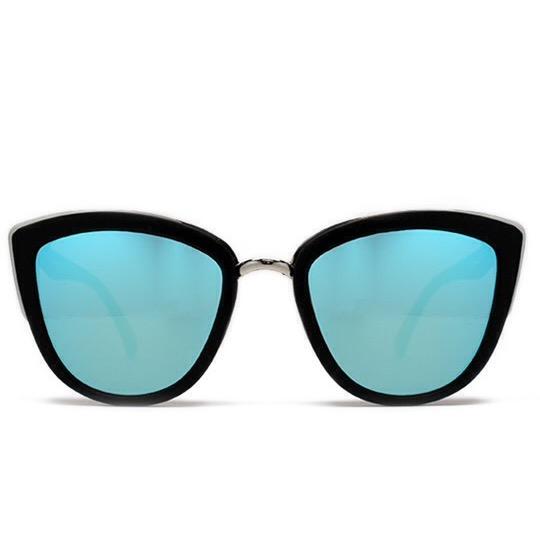 Gigi Hadid in Quay Australia My Girl Sunglasses