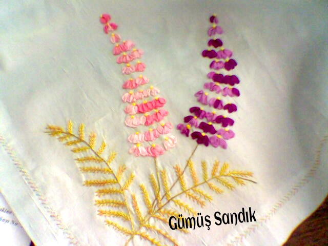 ipek kurdela nakışı, kurdela nakışı sümbül modeli,örtü bohça örneği