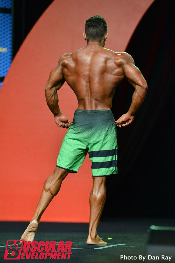 Diogo Montenegro faz apresentação individual no palco do maior evento de fisiculturismo do mundo. Foto: Dan Ray