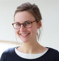 Helga König im Gespräch mit Claudia Czingonvom Oswald von Nell- Breuning Institut