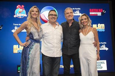 Roberto Justus e diretor geral do programa Rodrigo Carelli, com Bruna Calmon e Gianne Albertoni -  Crédito: Edu Moraes/Record