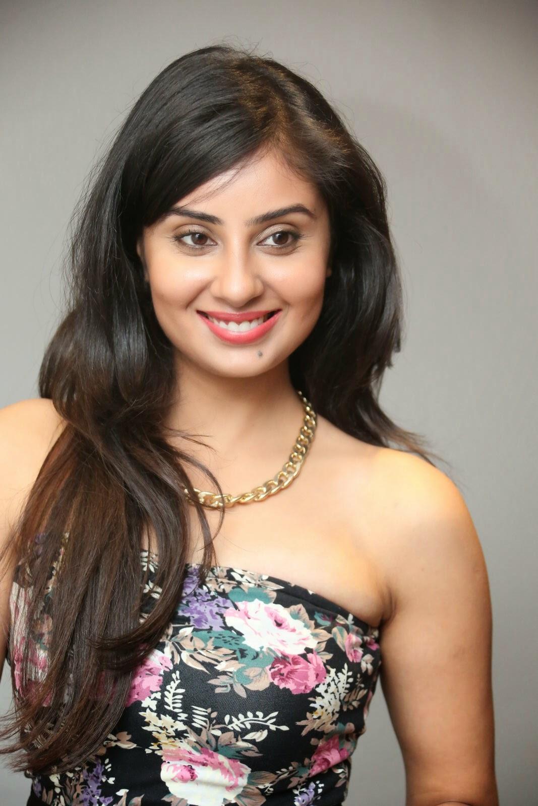 Bhanusri Mehra latest glam pics-HQ-Photo-9