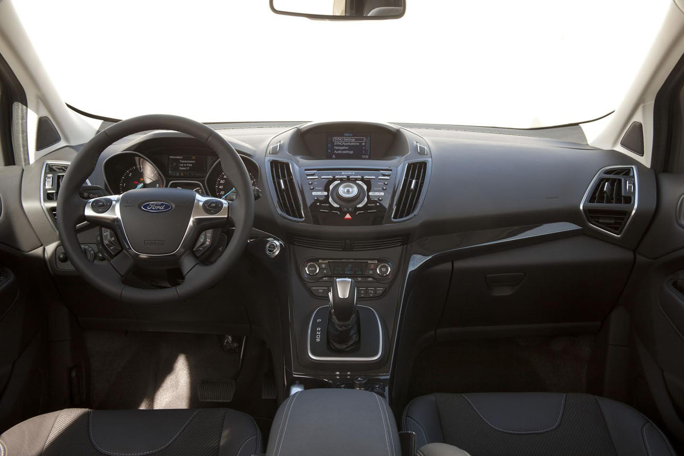 site to voitures le nouveau ford kuga 2012. Black Bedroom Furniture Sets. Home Design Ideas