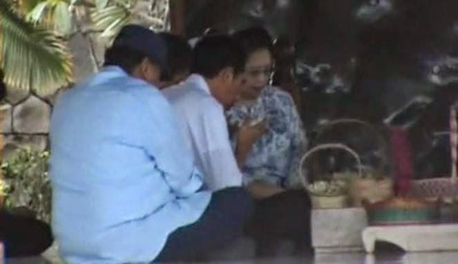 Tengah malam, Jokowi ziarah ke makam Soekarno
