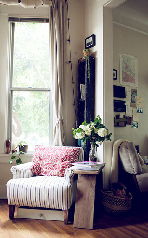 Dont You Want To Spend A Rainy Day Curled Up In This Chair With Tea And Good Book