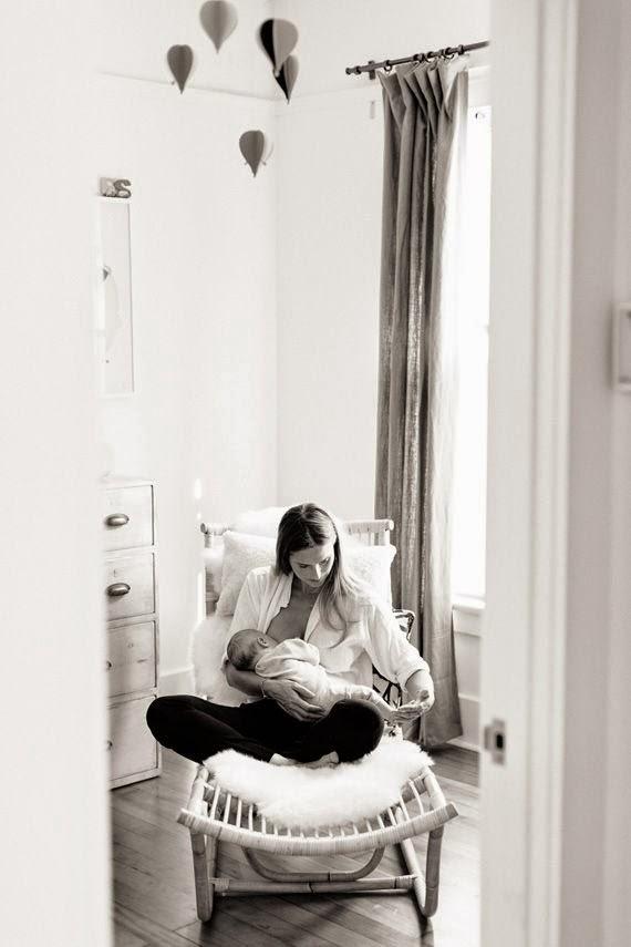 Cosmomum allattamento naturale o artificiale la mia - Sedia a dondolo per allattamento ...