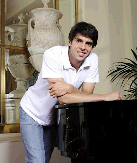 Kaka  interview in Brazil with a piano