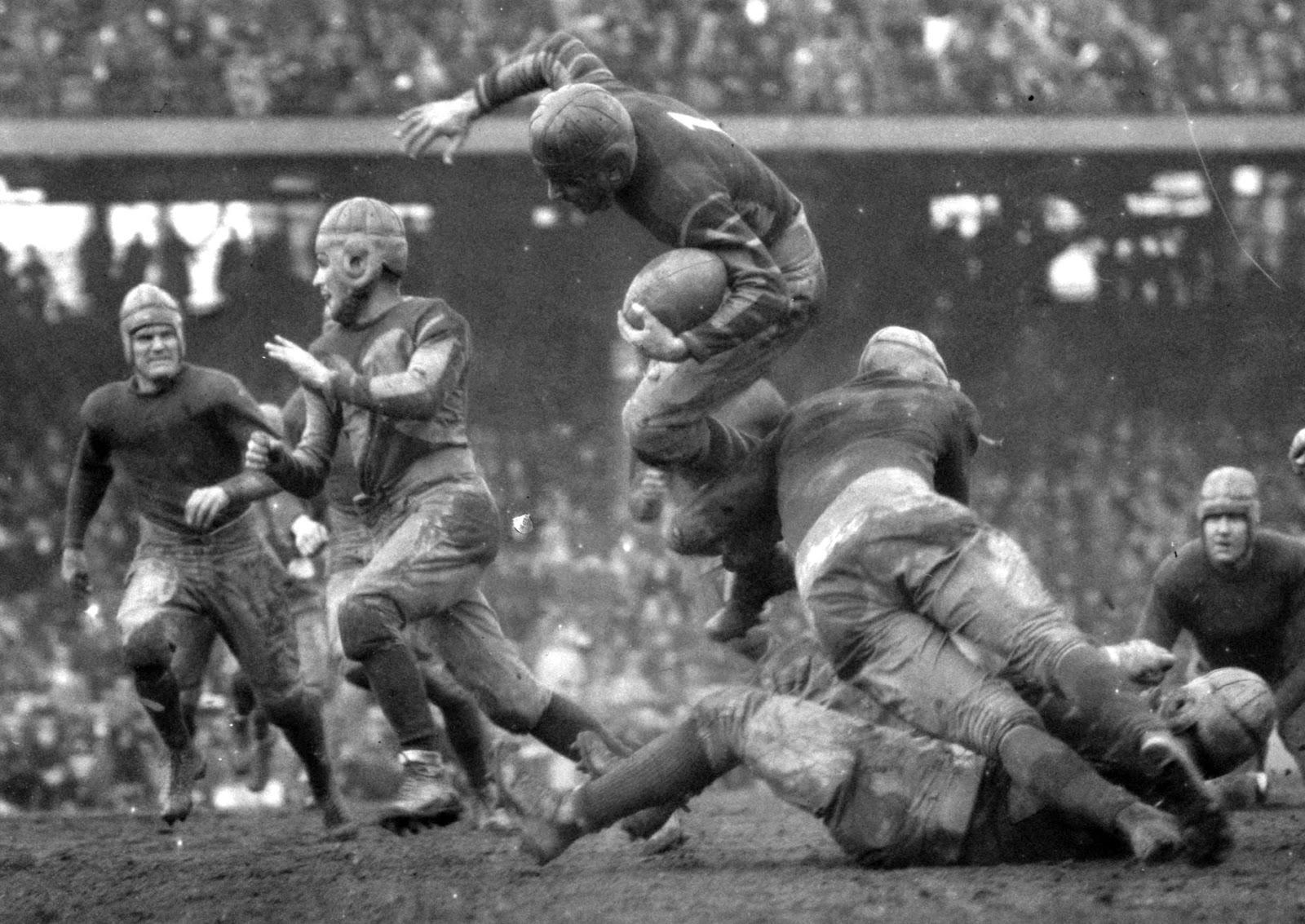 Resultado de imagen para uniforme futbol americano historia