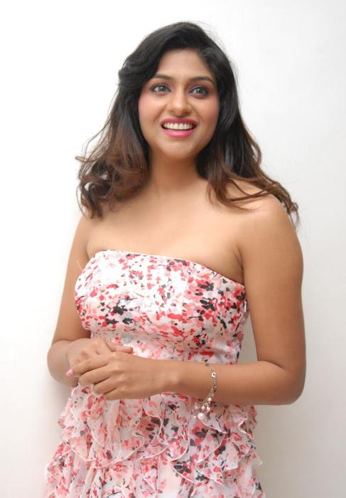 lakshmi nair new actress pics