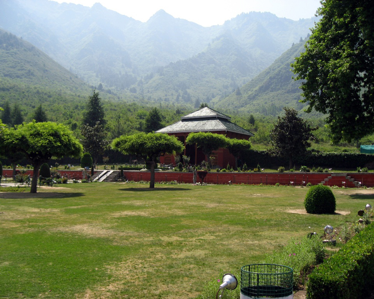 Srinagar summer capital most beautiful places in the for Most beautiful places in ct