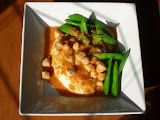 Seared Scallops with Thai Red Curry Sauce