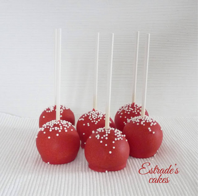 cake pop en rojo y blanco 2