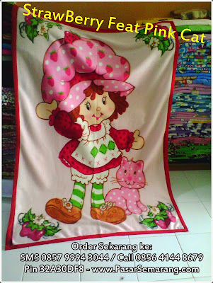 Strawberry Feat Pink Cat pasar semarang
