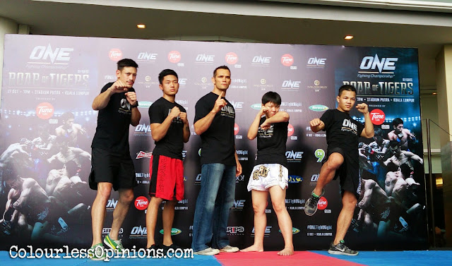 Group photo Peter Davis, Gianni Subba, Rich Franklin, Ella Tang, Saiful Merican ONE FC 21 at Media Workout Paradigm Mall KL