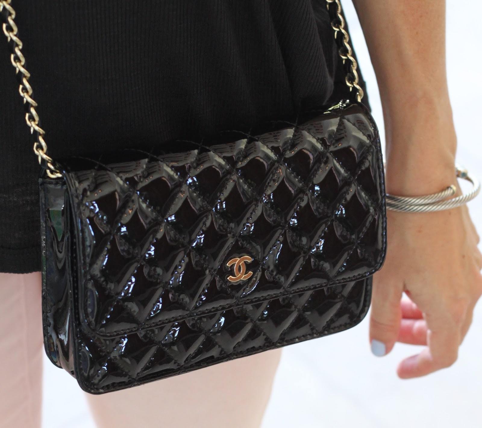 black chanel cross body