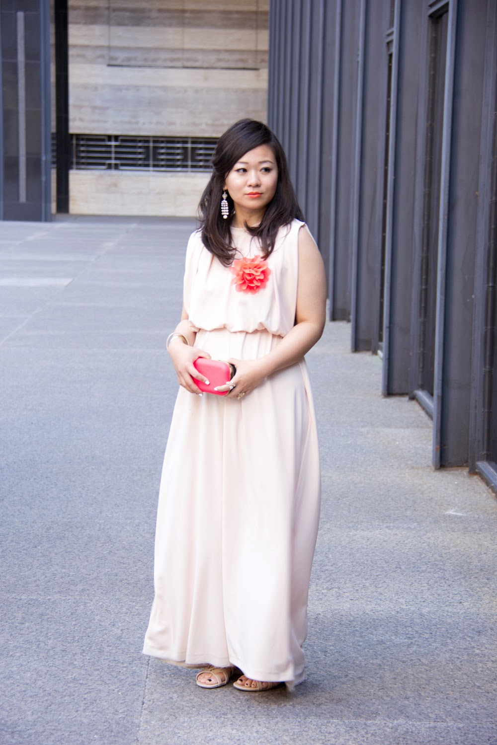 nude-maxi-dress-pop-of-orange, street-style, fashion-blogger, summer-outfit