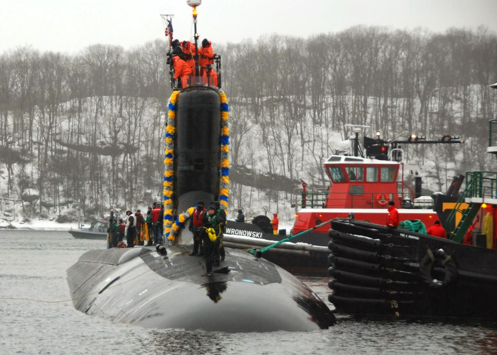 USS VIRGINIA ARRIVES AT SUBMARINE BASE